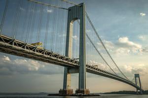 Pile-up accident on verrazano-narrows bridge injures six